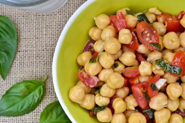 Chickpea & tomato Salad // peace. love. quinoa