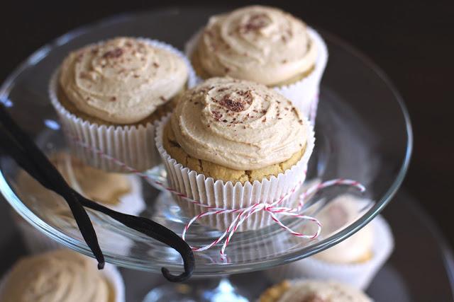 vanilla toffee quinoa cupcakes