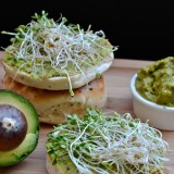 veggie avocado spread: a cream cheese substitute