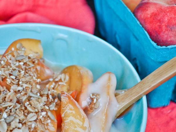 peaches-and-cream-yogurt-parfait