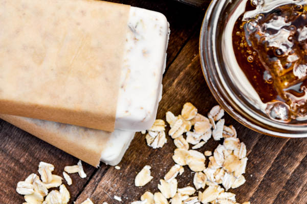 DIY Oatmeal Honey Soap